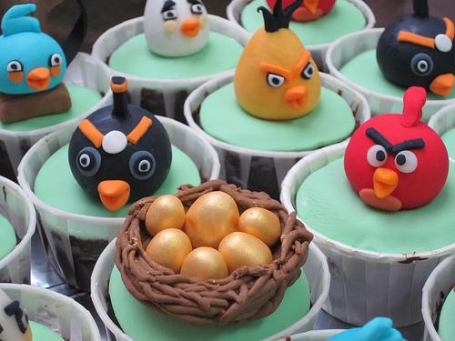 6075630446 460f6e892c Cupcakes Angry Birds blog