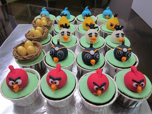 6075638434 22373fa5c8 Cupcakes Angry Birds blog